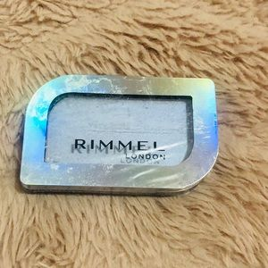 MAGNIF'EYES HOLOGRAPHIC MONO EYESHADOW -021   Lunar LILAC - New never been used